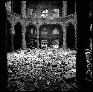 Sarajevo National Library destroyed, 1993 (Edward Serotta)